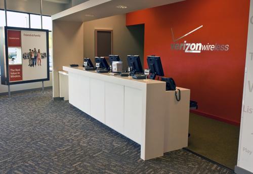 Verizon Wireless Evolution Store Store Fixture Rollout